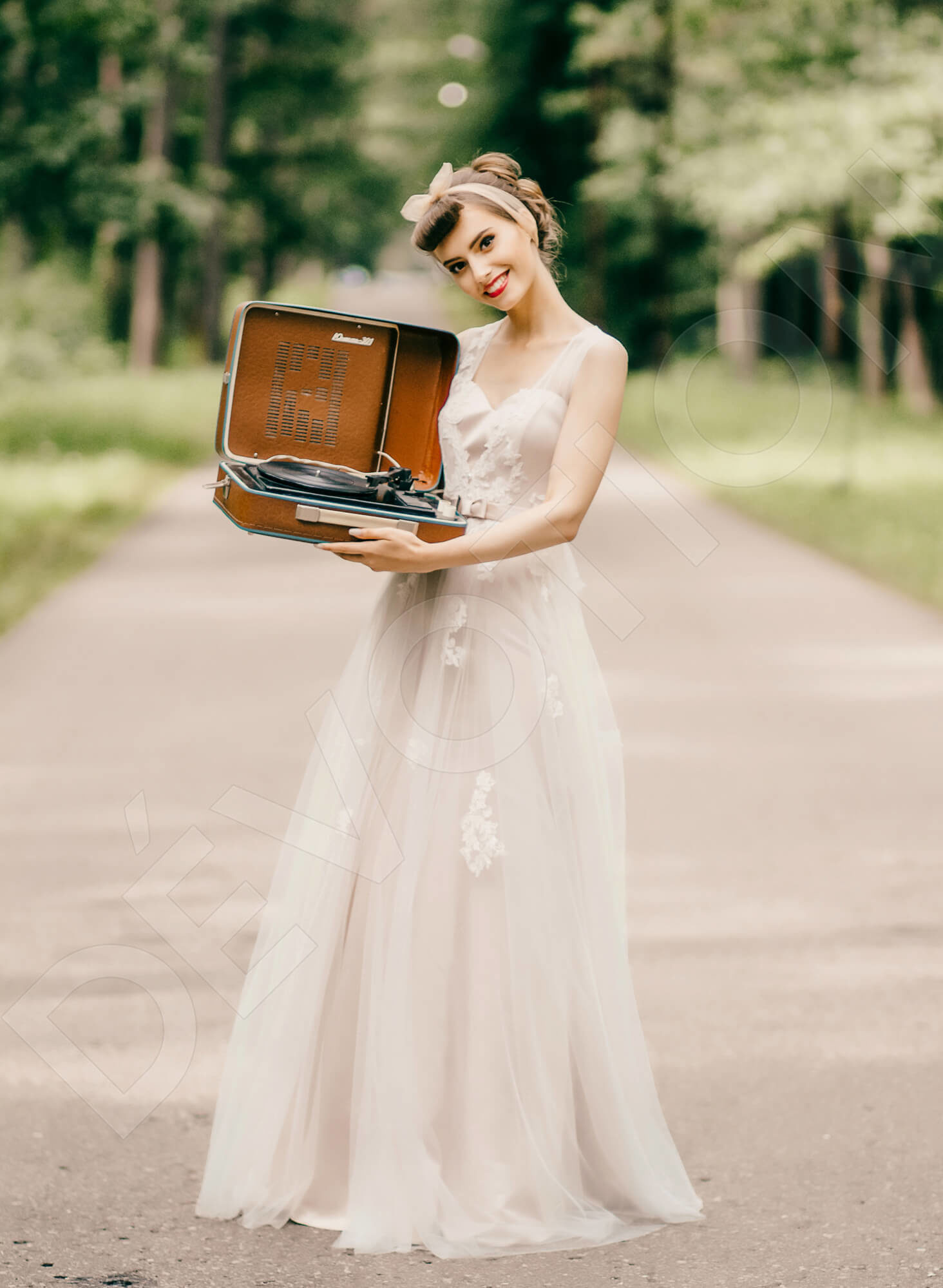 Retro Themed Weddings
