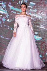 Wedding Dresses From 450 USD To 550 USD